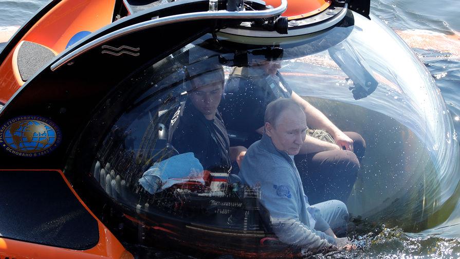 Видео погружения Путина к месту гибели подлодки появилось в Сети