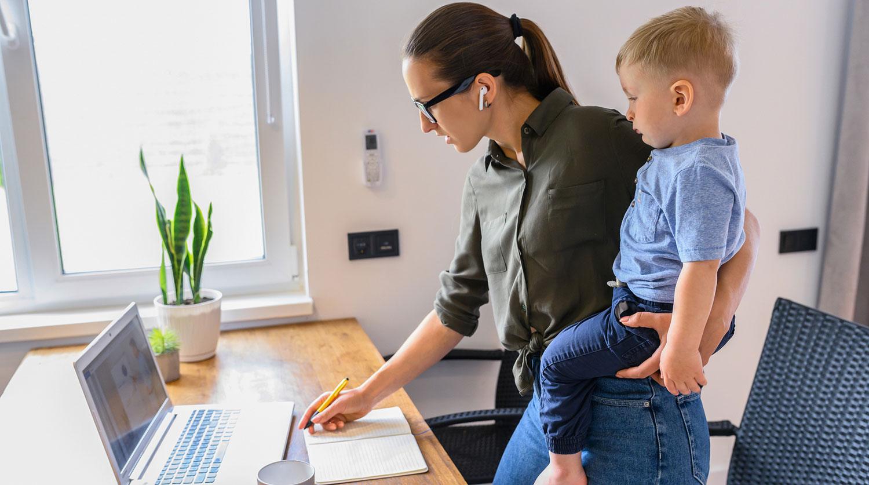 Девушки устраиваются на работу онлайн модели дипломной работы