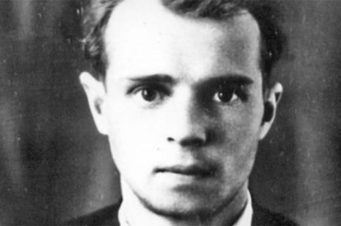 Александр Есенин-Вольпин в молодости