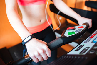Чем интересны - умные - браслеты и какой фитнес-трекер лучше купить