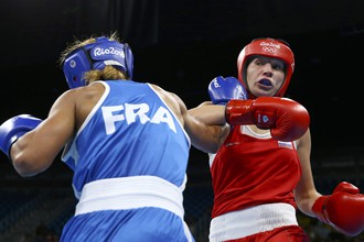 Анастасия Белякова имела неплохие шансы на выход в решающий боксерский поединок Олимпиады в Рио-де-Жанейро: в полуфинале весовой категории до 60 кг она сражалась с француженкой Эстель Моссли. Однако уже в первом раунде соперница провела грязный прием, ударив россиянку в локоть. Из-за этого повреждения россиянке было записано техническое поражение. Таким образом, за золото Игр-2016 она побороться не сможет, однако бронза соревнований ей уже гарантирована
