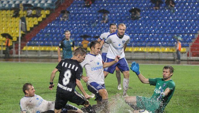 Во Владивостоке устали от профессионального футбола