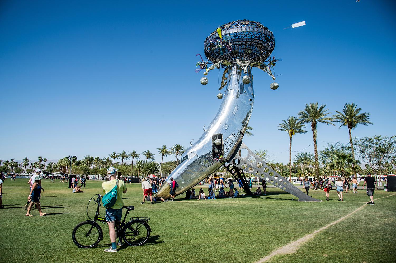 """Картинки по запросу """"Музыкальный фестиваль Coachella отменили из-за вспышки коронавируса, пишет The Sun со ссылкой на собственный источник. Отменить фестиваль решили после регистрации случаев заражения коронавирусом в округе Риверсайд, штат Калифорния, где фестиваль традиционно проводится. Предположительно, мероприятие будет перенесено на октябрь 2020 года. Пока официального подтверждения отмены нет."""""""