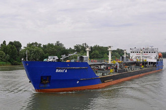 Танкер «Мрия» на реке Дон в 2014 году