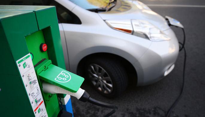 Едем на бензине: чем грозит России отставание в производстве электрокаров