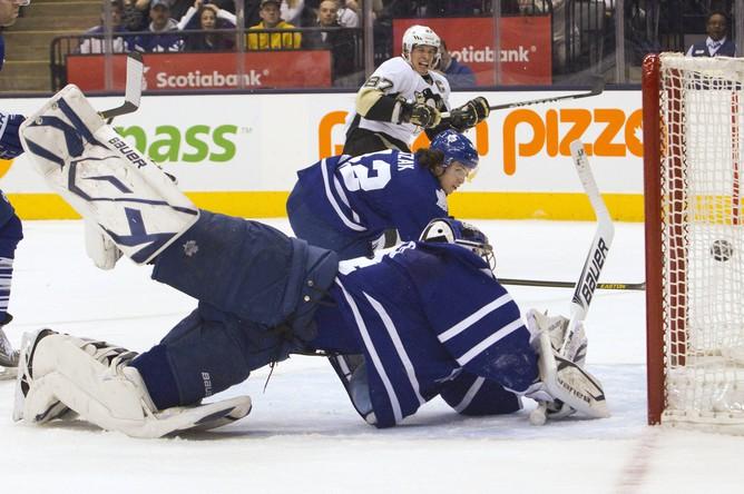 «Питтсбург» победил «Торонто«в НХЛ, а Евгений Малкин отметился голевой передачей