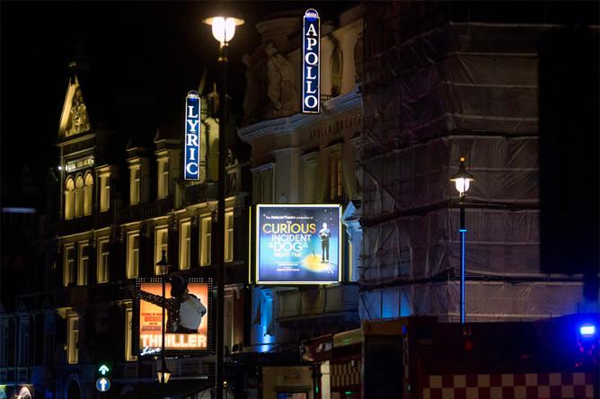 Ситуация на месте обрушения потолка в лондонском театре