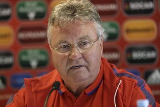 Гус Хиддинк покидает пост главного тренера сборной Нидерландов