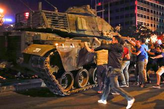 Эрдоган победил военных