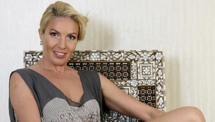 «Бьет и играет»: Ирина Лобачева пожаловалась на насилие в семье