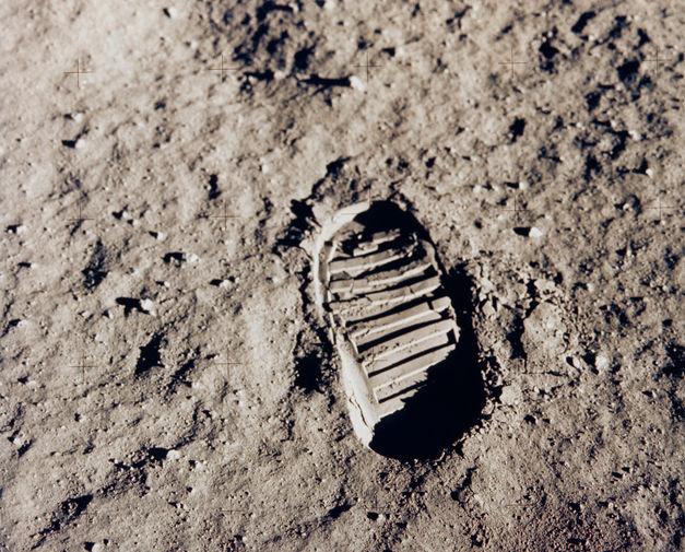 Отпечаток человеческой ноги на поверхности Луны, 20 июля 1969 года