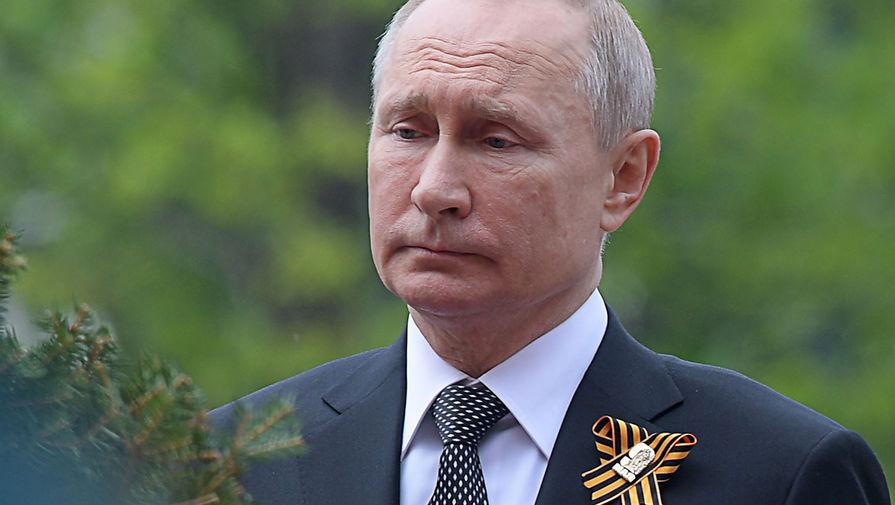 «Возложит цветы»: в Кремле рассказали о новом обращении Путина