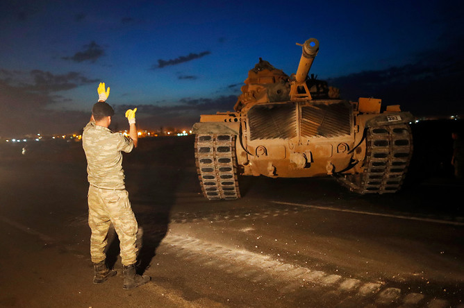 Турецкие танки на границе с Сирией, 9 октября 2019 года
