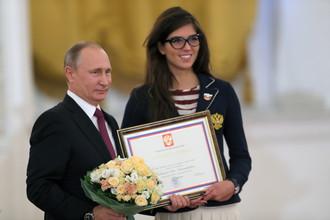 Путин признал заслуги паралимпийцев и хакеров