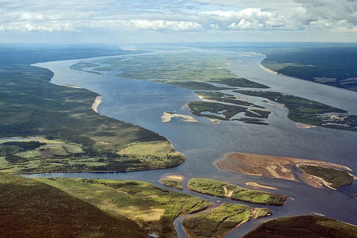 Река Лена, крупнейшая в Восточной Сибири