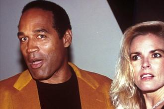 1993 год. О. Джей Симпсон с женой Николь Браун-Симпсон