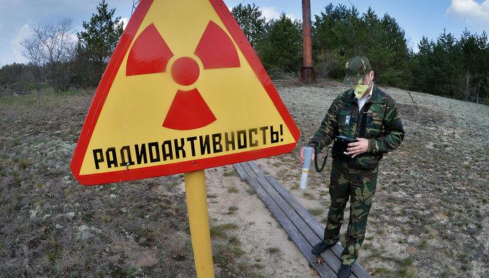 Сотрудник Полесского государственного радиационно-экологического заповедника в секторе зоны...