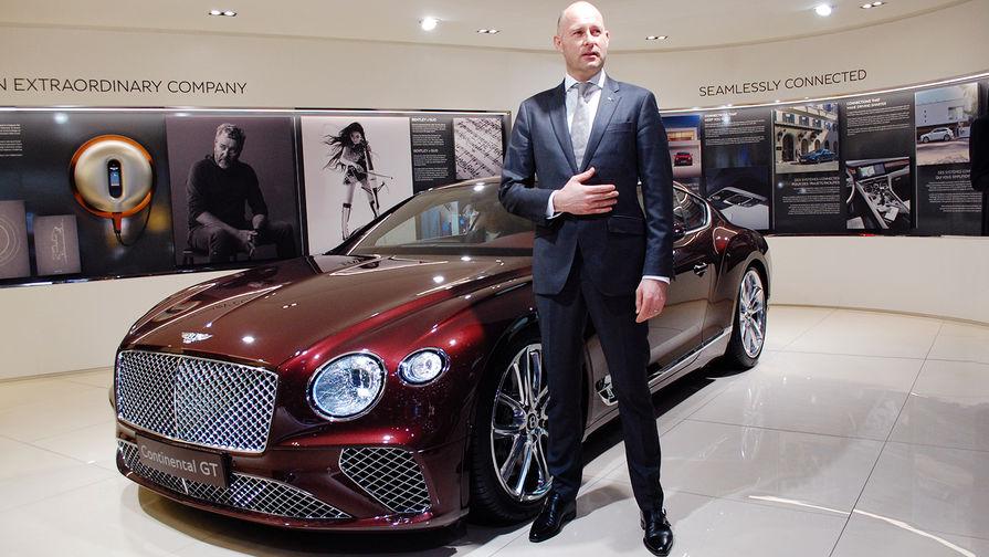 Глава российского представительства Bentley Марко ван Аалтен во время автосалона в Женеве, март 2018 года