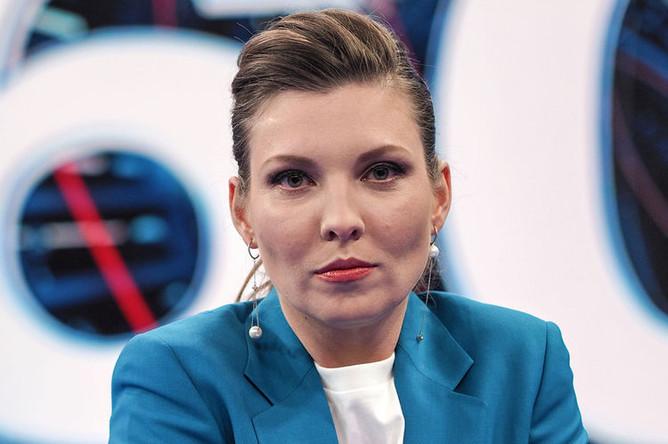Телеведущая Ольга Скабеева в студии «60 минут» в Москве