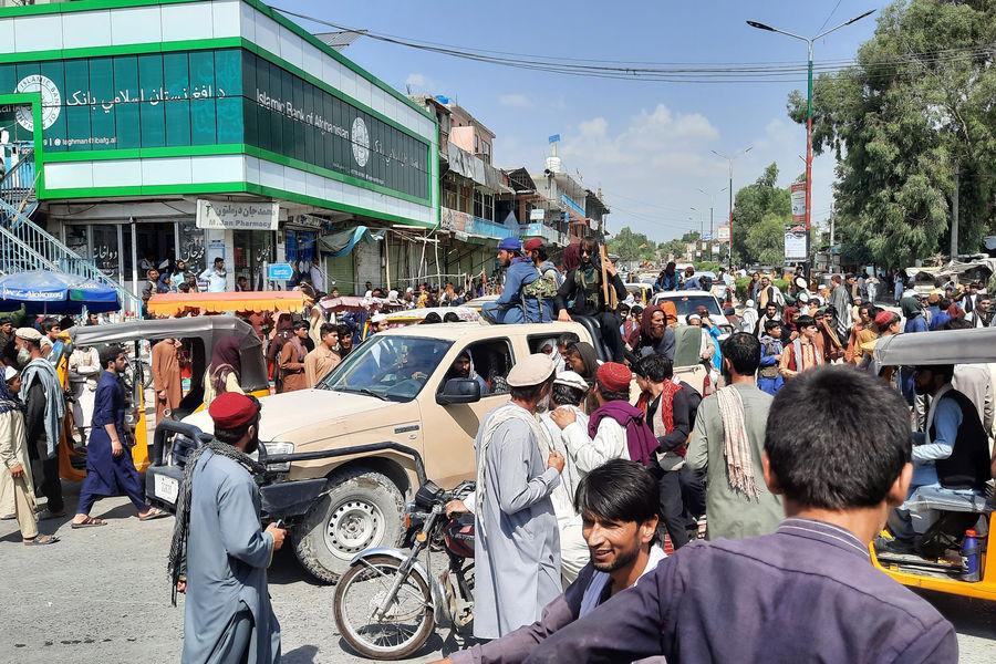 Появилось видео, как талибы* отдыхают после захвата Афганистана - Газета.Ru