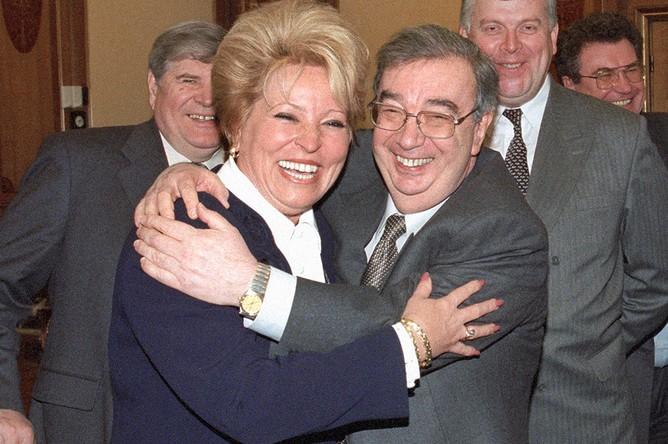 Валентина Матвиенко и Евгений Примаков, 1999 год. Источник: Эдуард Песов/ТАСС
