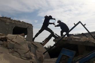 Последствия бомбардировки в Идлибе, Сирия, 5 декабря 2016