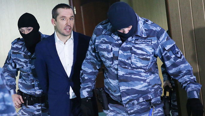 Бывший замглавы ГУЭБиПК МВД России полковник Дмитрий Захарченко в Пресненском суде Москвы, ноябрь 2016 года