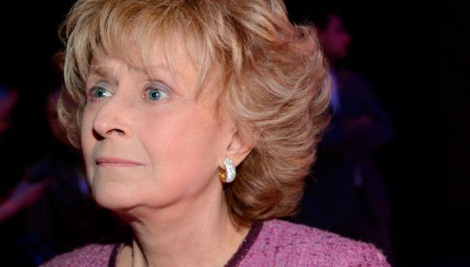 «Не тряси арбузами»: Пугачева призвала к бойкоту Бузовой