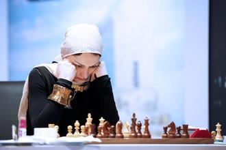 Александра Костенюк сыграла вничью со шведской шахматисткой Пией Крамлинг в первом матче 1/8 финала ЧМ в Тегеране