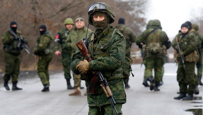 Военнослужащие перед началом обмена пленными между Киевом и самопровозглашенной Донецкой народной...