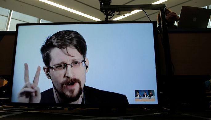 «Это хищничество»: Сноуден раскритиковал Facebook и Google