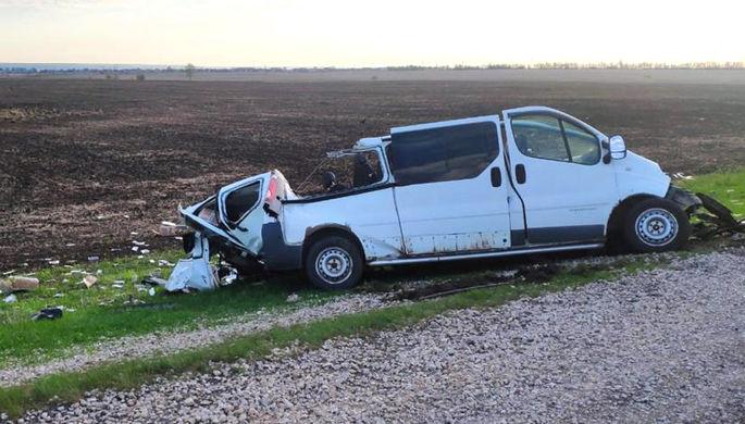 Грузовик на встречке: пять человек погибли в ДТП с микроавтобусом