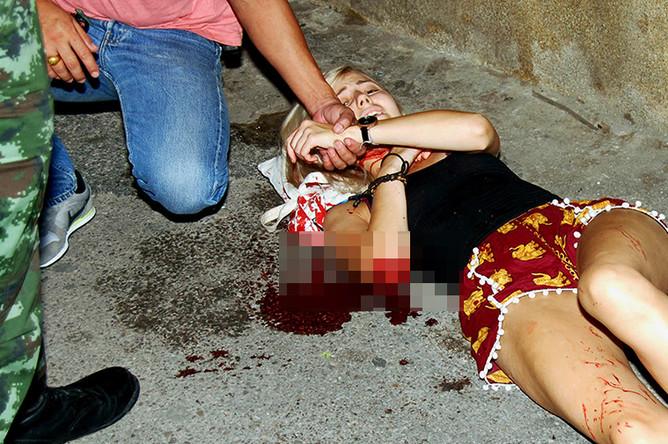 Девушка, раненная в результате взрыва в туристическом районе Хуахина