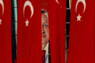 Изображение президента Турции Тайипа Эрдогана перед референдумом в Стамбуле, 14 апреля 2017 года
