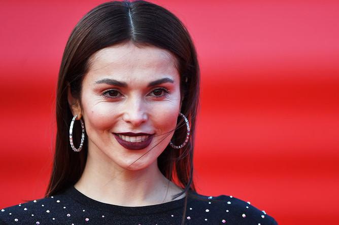 Певица Сати Казанова на церемонии открытия 40-го Московского международного кинофестиваля, 19 апреля 2018 года