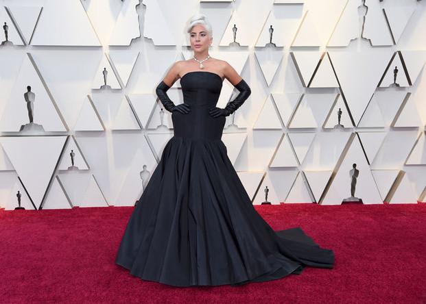 Певица Леди Гага на красной дорожке перед началом церемонии вручения кинопремии «Оскар» в Лос-Анджелесе, 24 февраля 2019 года