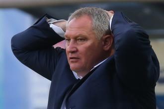 Юрий Красножан, кажется, потерял нити управления командой