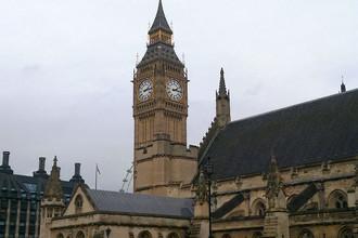 Знаменитая часовая башня Вестминстерского дворца