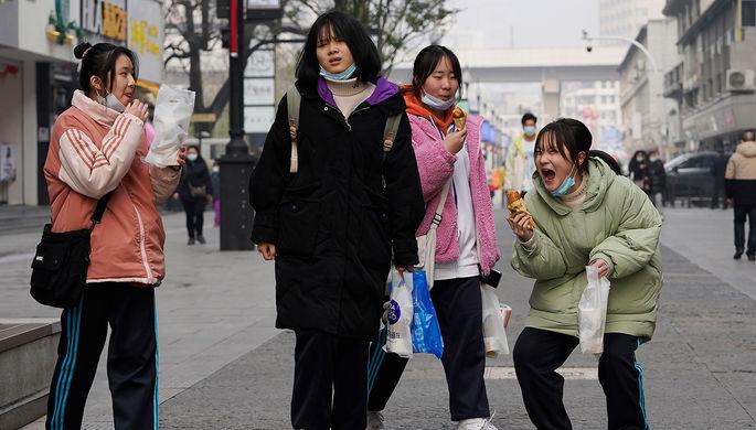 «Необходимо выживать»: к чему привела гонка за успехом в Китае