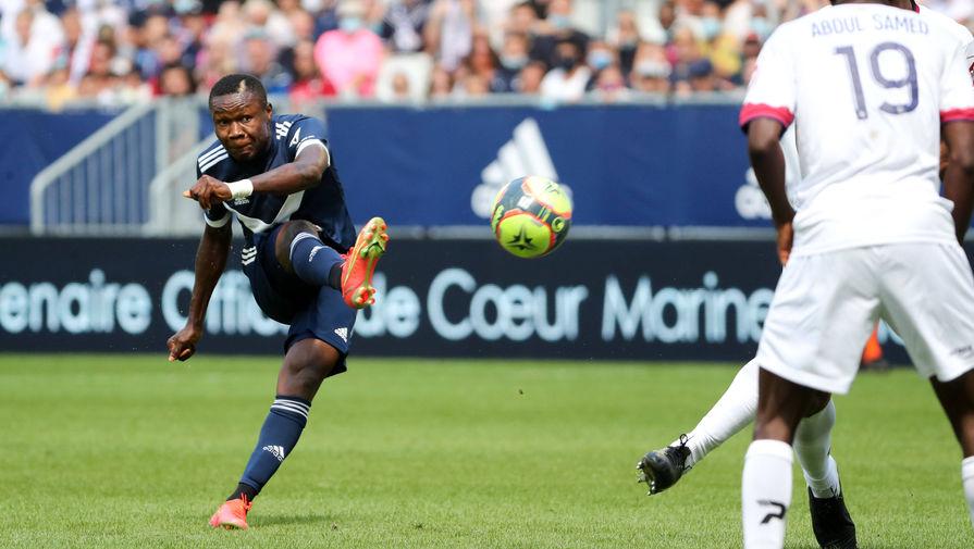 Футболист потерял сознание во время матча чемпионата Франции