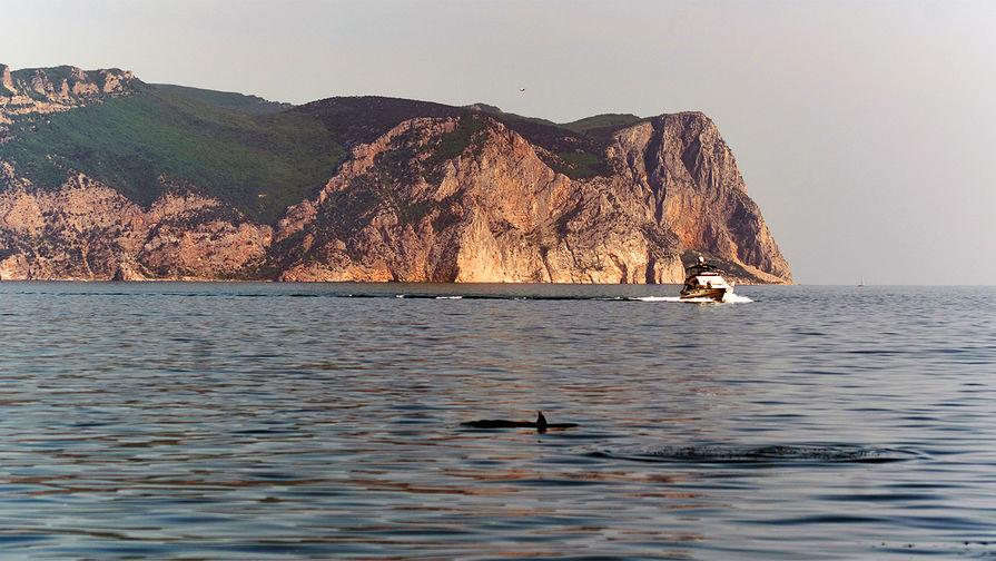 Три члена экипажа затонувшего в Черном море российского судна спасены