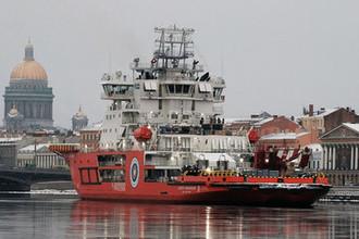 Ледокол «Андрей Вилькицкий» на реке Неве в Санкт-Петербурге, декабрь 2018 года