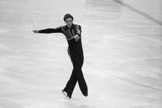 Серебряный призер Олимпиады 1976 года в одиночном катании, мастер спорта международного класса, чемпион Европы 1975 года, фигурист Владимир Ковалев