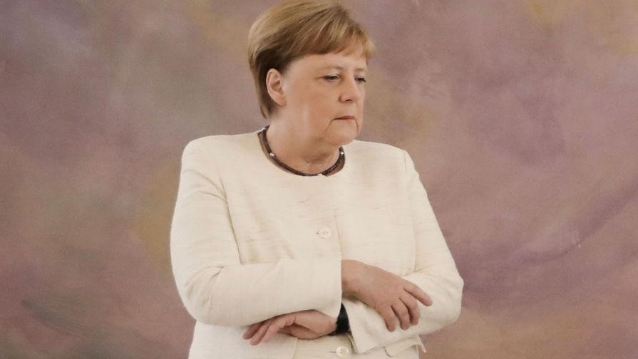 Врач объяснил, почему дрожит Меркель