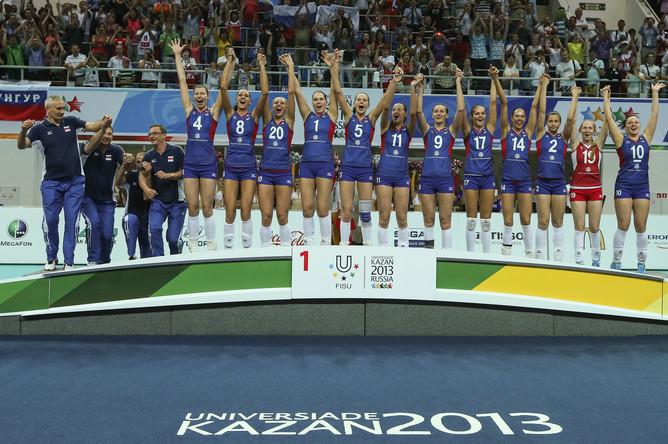 Волейболистки празднуют золото