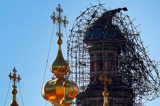 Небесные фонарики подсветили монастырь
