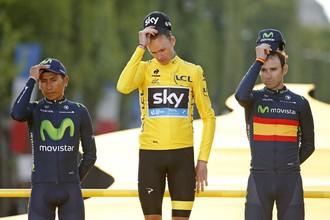 Колумбиец Наиро Кинтана, британец Кристофер Фрум и испанец Алехандро Вальверде на подиуме «Тур де Франс — 2015»