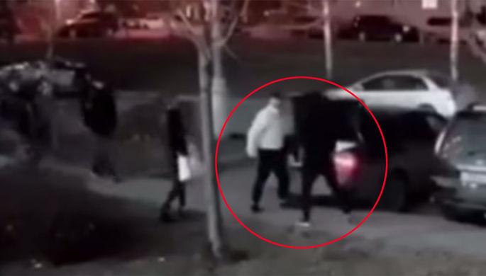 «Агрессивно ответил»: бойца избили толпой в Москве