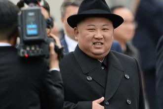 Ким Чен Ын на торжественной церемонии встречи во Владивостоке, 24 апреля 2019 года