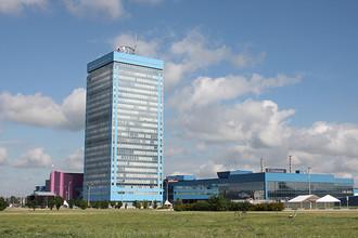 Здание заводоуправления «АвтоВАЗа» видно издалека